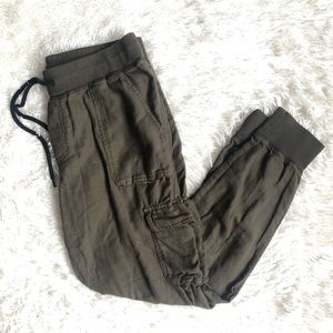 Aritzia Community Cebu Pant in Olive Size Small
